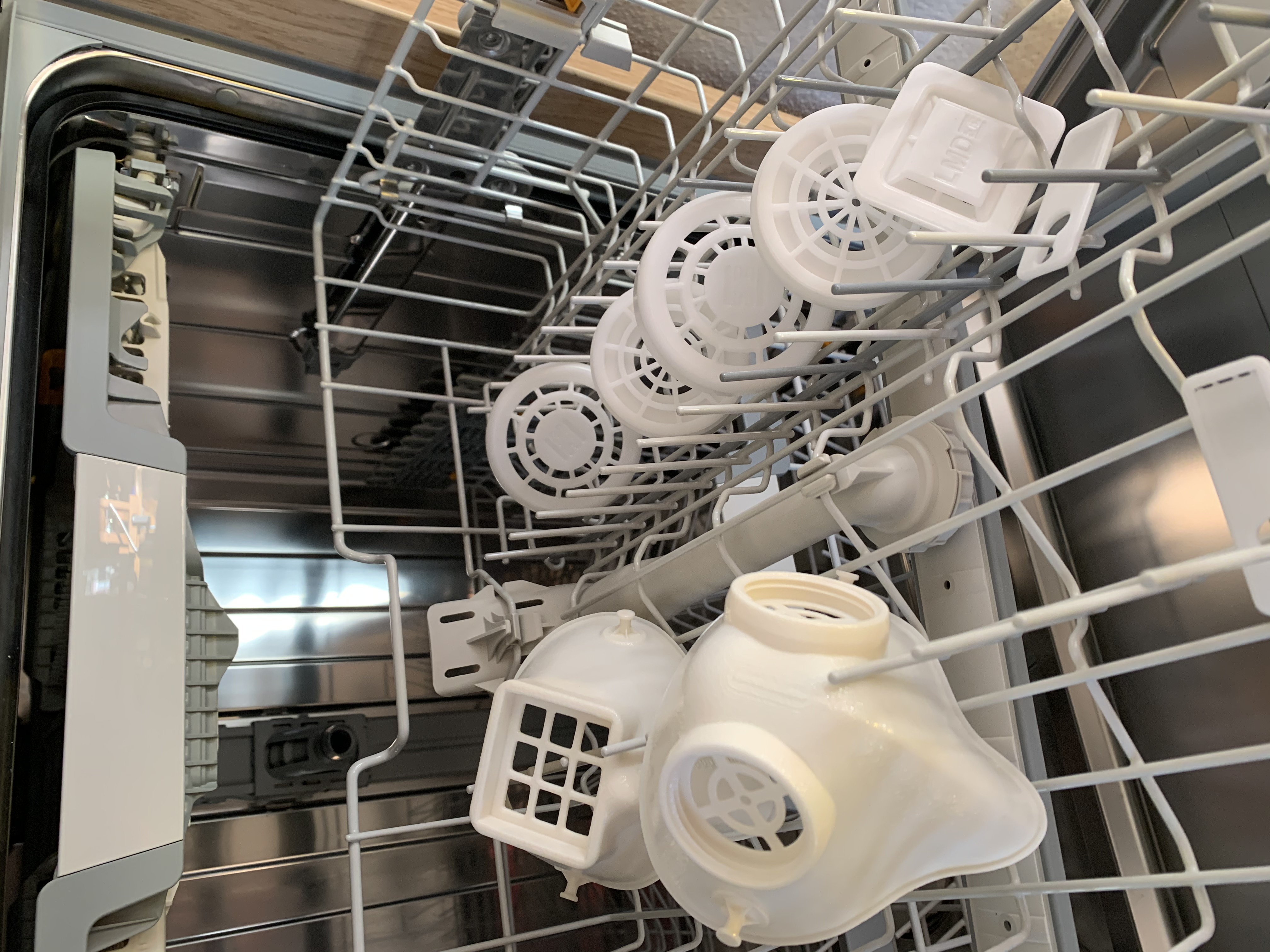 The entire mask can be cleaned in the dishwasher (Source: Lehvoss)