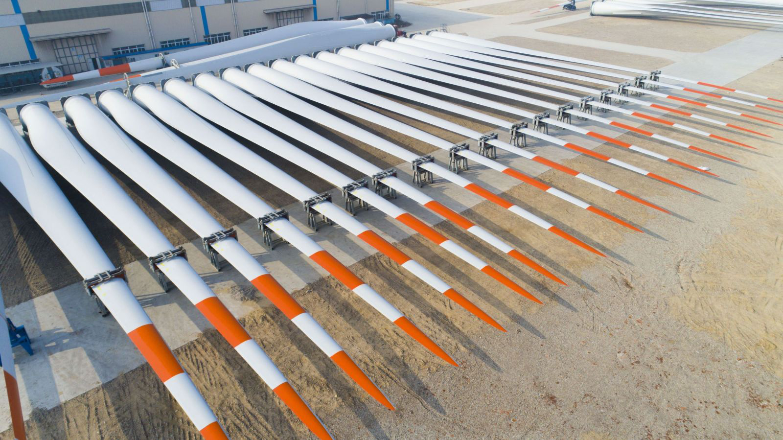 Wind Turbine blades after production (Source: Damon Hong)