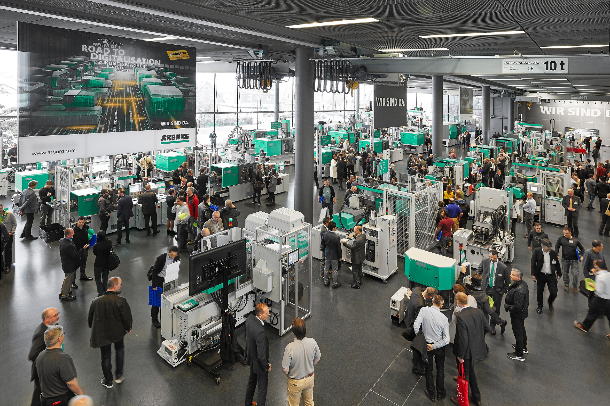 In 2019, around 30 exhibits and applications in the Customer Center gave visitors to the Technology Days an overview of Arburg's portfolio of machines and processes. (Source: Arburg)