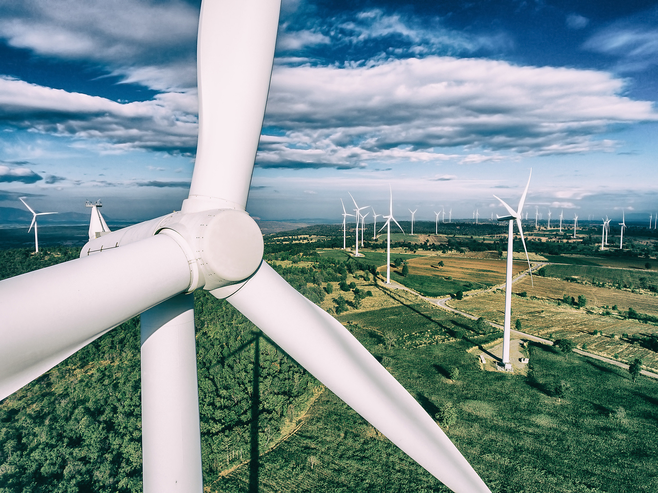 Together with global industry partners, Covestro has developed a solution for an efficient production of rotor blades for wind power plants (Source: Covestro)