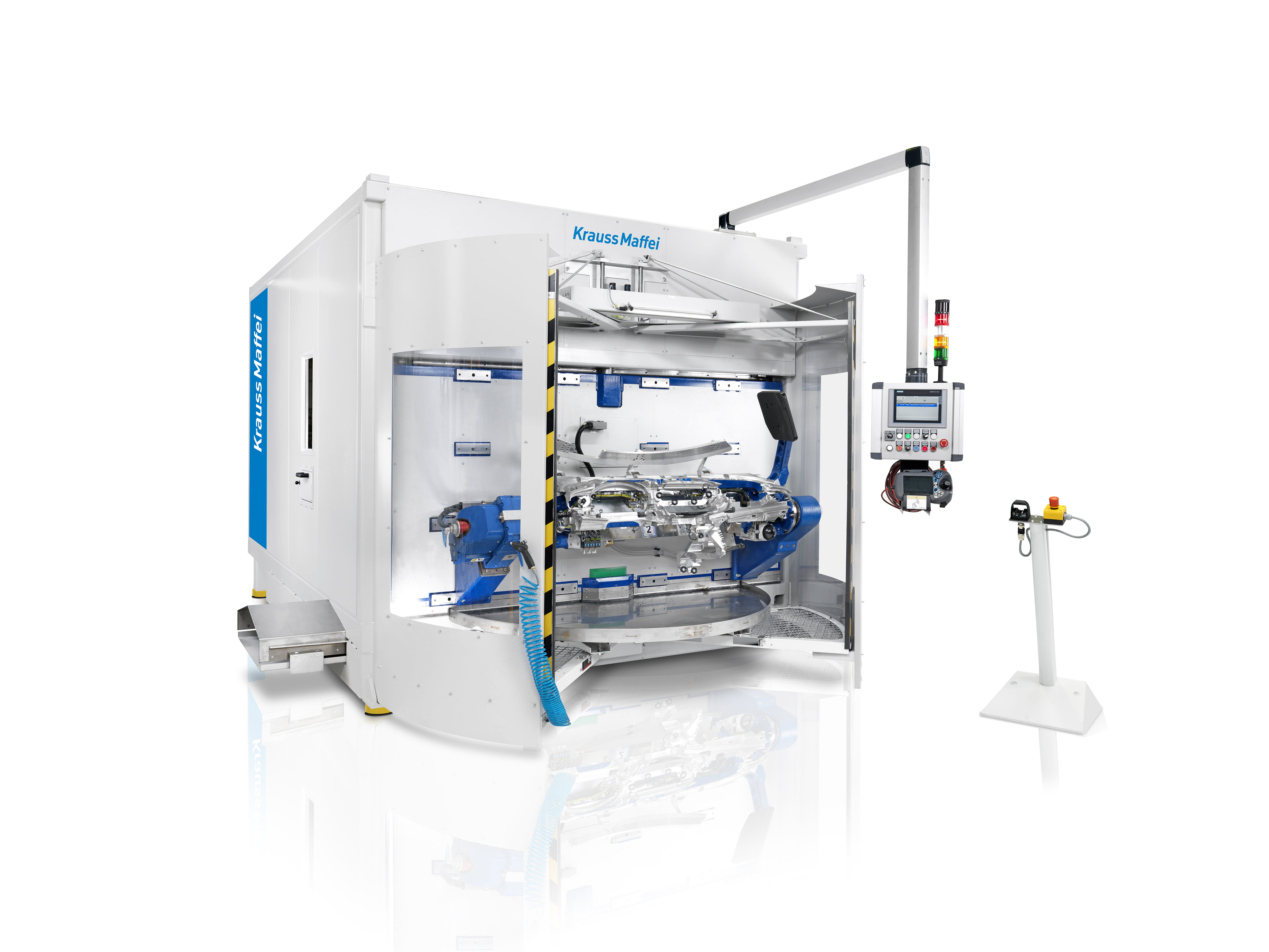 MultiStar, the mobile robotic processing cell for post-processing of foam-backed interior components. (Source: KraussMaffei)