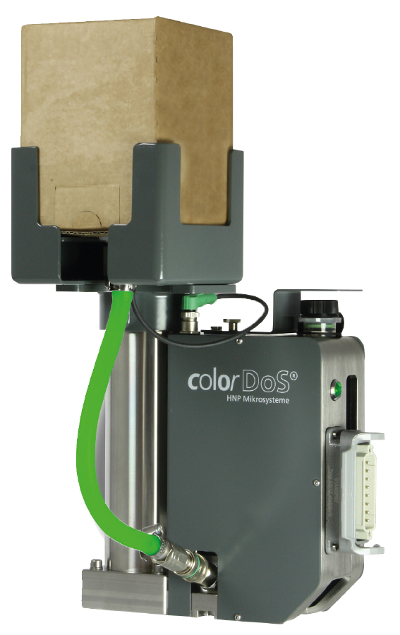 The reusable Rowasol Color Cube or disposable Politainer are suitable as colour containers for the colorDoS dosing system from HNP Mikrosysteme. (Source: Rowasol)