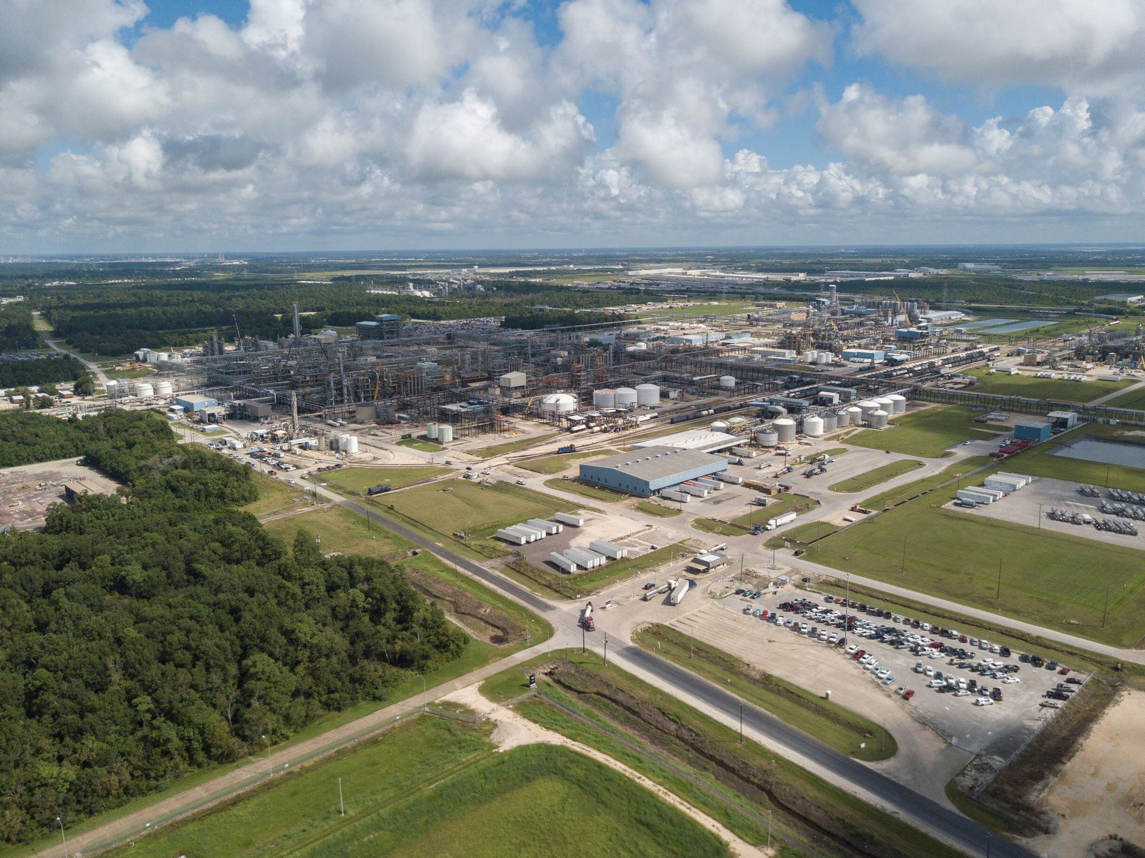 View on Covestro's production site in Baytown, TX, USA (Source: Covestro)