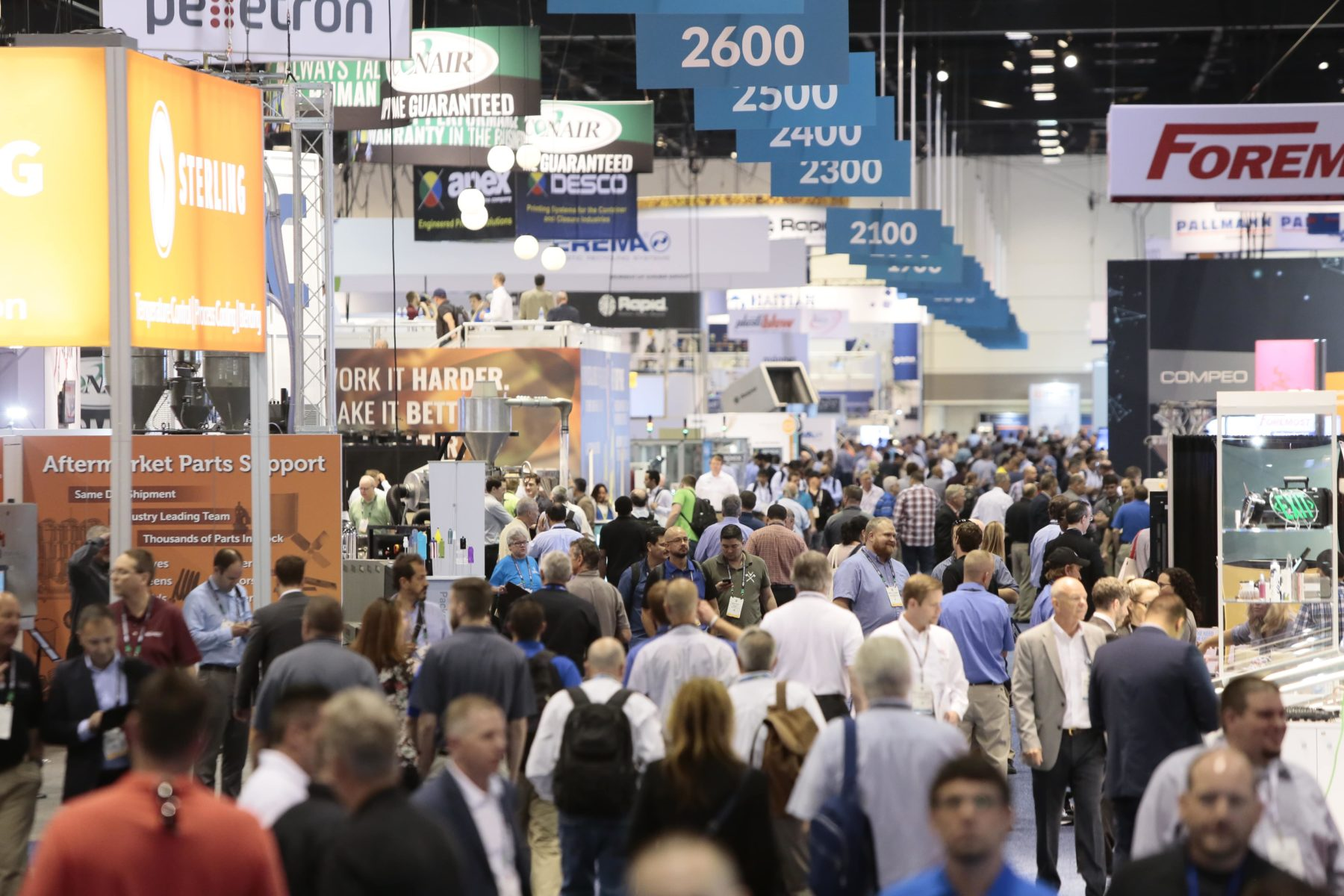 The in-person components of NPE2021: The Plastics Show, scheduled for 17 – 21 May 2021 in Orlando, FL, USA, have been cancelled. (Picture: Exhibition area at NPE2018; Source: Plastics Industry Association)