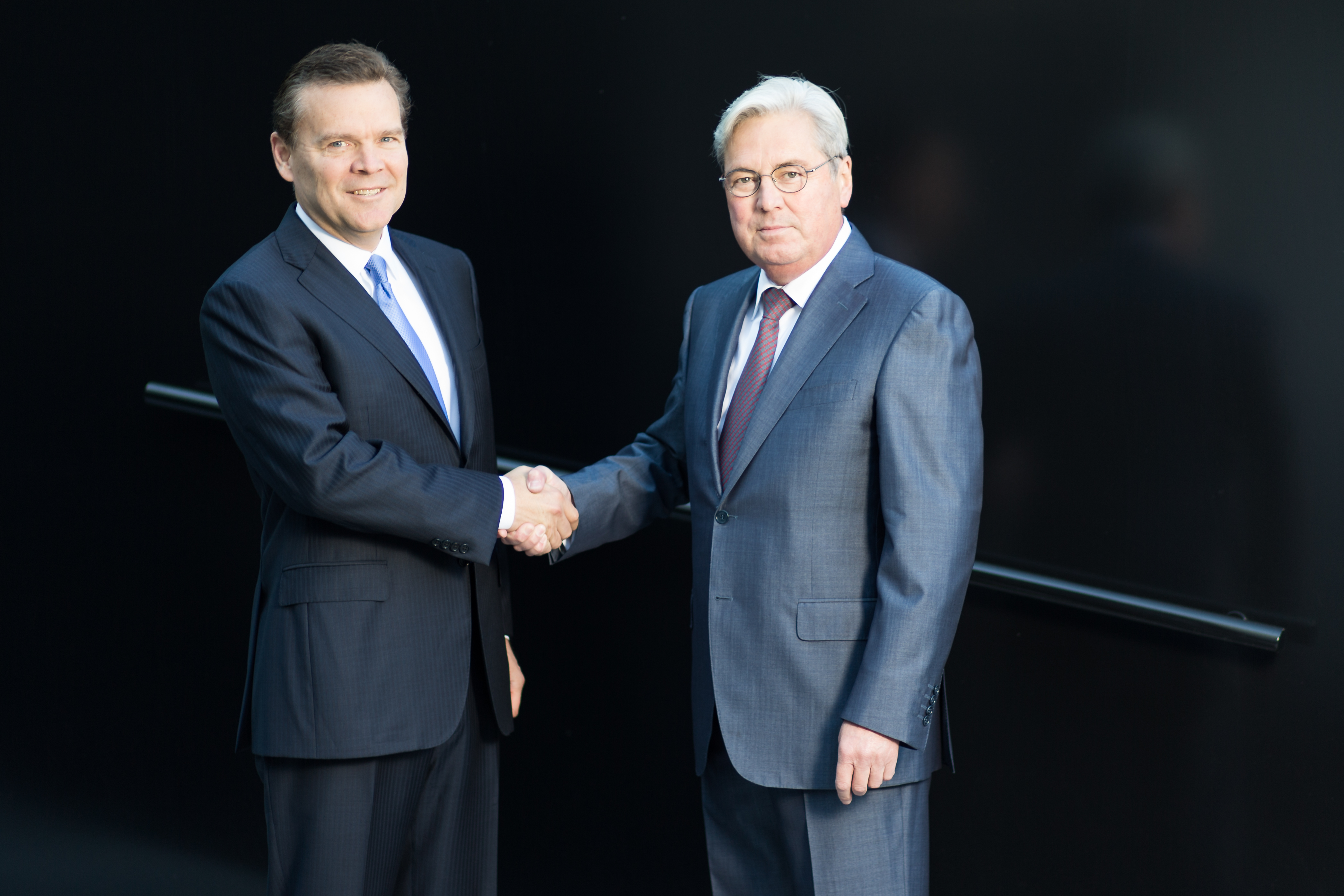 Peter R. Huntsman (left), President and CEO of Huntsman, and Hariolf Kottmann (right), CEO of Clariant (Source: Clariant)